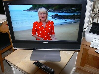 """Toshiba 26WLT66  26"""" LCD TV.FREEVIEW.HDMI.SCART.INC REMOTE AND STAND"""