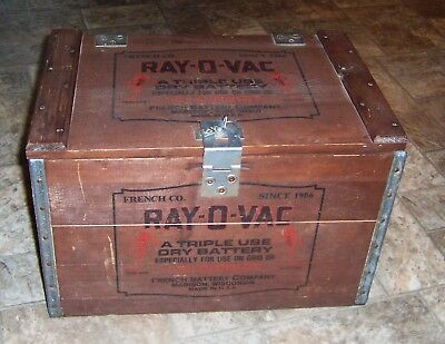 "Vintage Wooden Shipping Box Container Ray-O-Vac Batteries 17½""x12""x12"" w/ Lid"