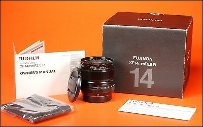 Fuji Wide Angle 14mm f2.8 R XF Autofocus Lens 4  X Series With Both Caps & Box