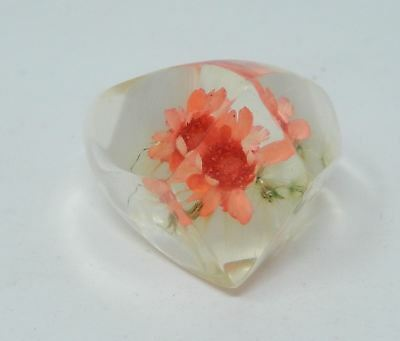 Vintage Clear Lucite Pink Dried Flower Faceted Dome Ring Size 6.5