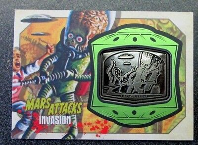 Mars Attacks Invasion 2013 Medallion Card Mm-15 Destroying A Dog