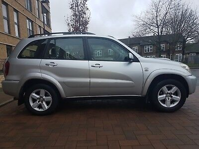 2005 Toyota RAV4 -2.0 diesel manual-130k partial history services 9 Toyota stamp
