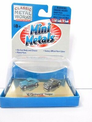 N 1941 Plymouth Coupe Set (1 Blue / 1 Green) - Classic Metal Works #50208 vmf121
