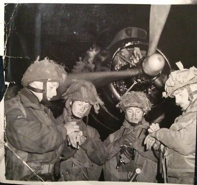 Original 1944 Press Photo 6th Airborne Officers Prepare for D-Day RAF Harwell