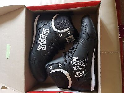Lonsdale boxing boots size 4