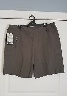 """Genuine """"Breakaway"""" Cotton Casual Shorts Size 107R New with Tags."""