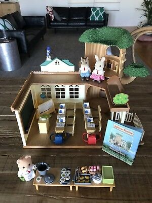 Sylvanian Families Country Tree School School Lunch Set And School Friends