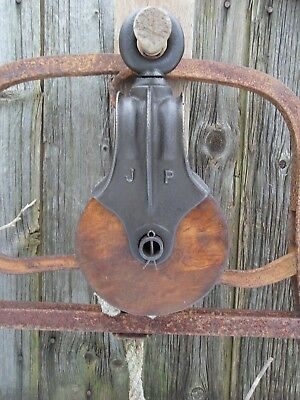 Antique CAST Iron AND WOOD PULLEY PRIMITIVE BARN ORNATE RUSTIC DECOR FARM