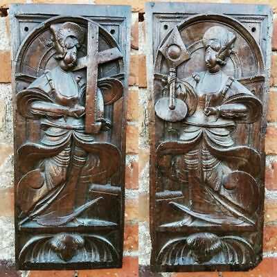 Rare Pair of Late 16th Century Carved Oak Panels Depicting Female Saints