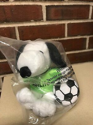 "Peanuts Snoopy 6"" Plush MetLife Soccer Player Snoopy Sealed in Plastic Football"
