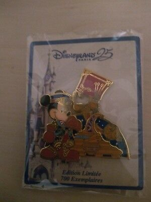 Pin's Disneyland Paris Mickey Parade 25 Ans