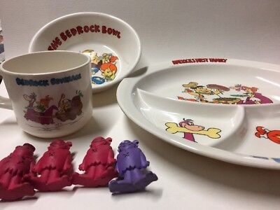 Lot of Hanna Barbera Flinstones 3-piece Melamine plate set 1986 & 4 figurines
