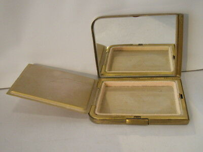 VINTAGE HANDLEY COMPACT WITH 9ct GOLD INITIAL.
