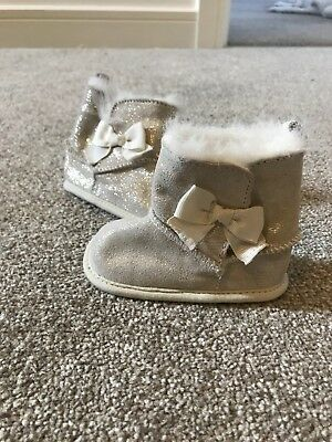 Marks And Spencers Baby Girl Gold Boot Booties Faux Fur Glitter Size 6-12 Months