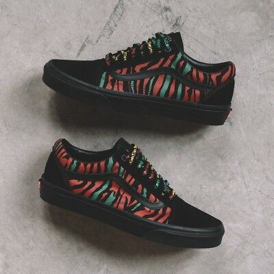 7e9125a8e1820a VANS ATCQ A Tribe Called Quest Old Skool Black UK 7 US 8 EUR 40.5 Vault
