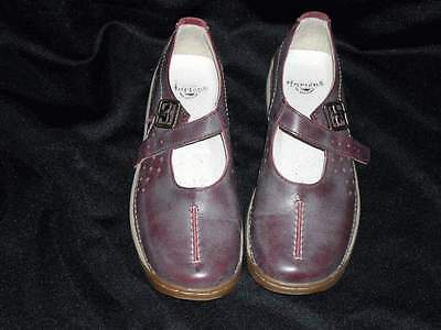 Dr. Martens women's shoe size 7 mary jane russett leather good condition! 1F