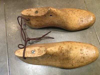 Vtg Antique Pair Wooden Cobbler Shoe Lasts ~Wood Forms Molds