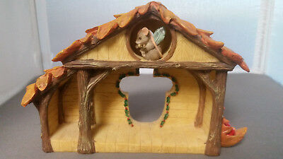 Charming Tails Christmas Nativity Manger Stable Mouse Figurine