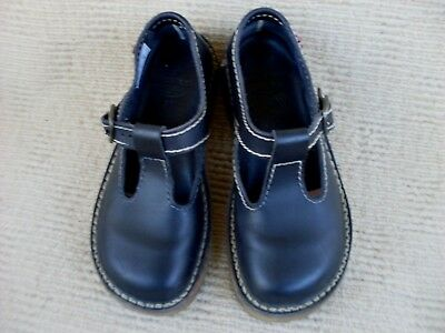 """Excellent Iconic Hand Made Imported """"duck Feet"""" T/bar Flats. Sz. 38"""
