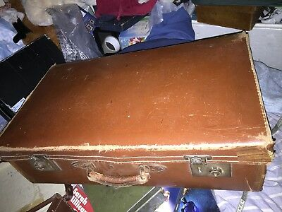 SUITCASE CASE LUGGAGE  ANTIQUE  VINTAGE 30s 40s STORAGE DPO WEDDING OLD Display