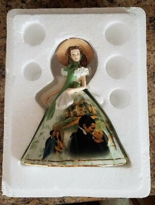 """Bradford Exchange GONE WITH THE WIND """"SCARLET"""" Figurine in Picnic Dress"""