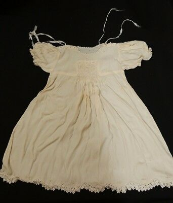 VINTAGE 1950s CHRISTENING DRESS - LACE DETAIL AND ROSEBUDS - LOVELY CONDITION