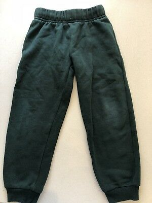 Unisex Green Shorts And Trackpants Size 3-4