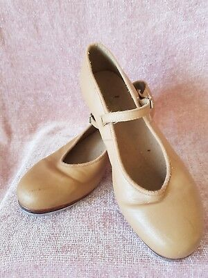 Girls Bloch Tan Tap Shoes Size 7. Good preloved condition.