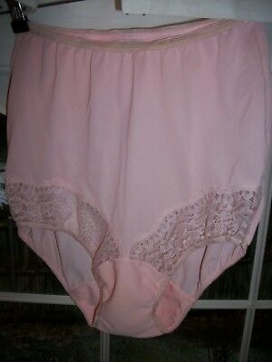 Vtg. 50's Vasserette Pale Pink Panties Lace Pillow tab double gusset nylon sz. 4