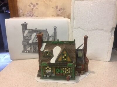 Department 56 New England Village East Willet Pottery Porcelain Building