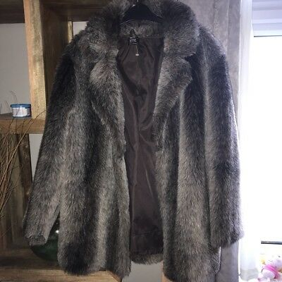 Vintage faux fur coat size 8 to size 16