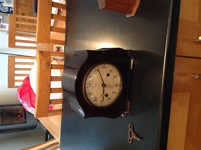 Smiths Bakelite chiming mantle clock beautiful condition and working fully.