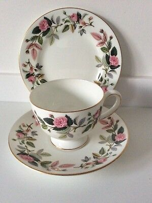 Lovely Wedgwood Hathaway Rose Tea Cup Saucer Plate Trio R4317 Pink Roses