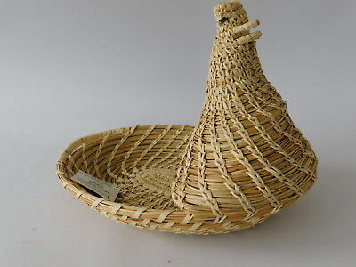 Tohono O'Odham Chicken Effigy Basket With Makers Label - Possibly 1 of a Kind