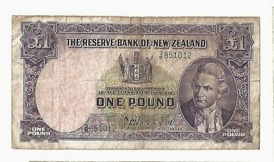 New Zealand Reserve Bank of New Zealand 1 pound S/N1012