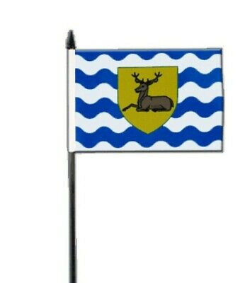 """HERTFORDSHIRE SMALL HAND WAVING FLAG 6/"""" x 4/"""" County Crafts Table Desk Display"""