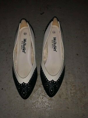 467d98b69b49 vintage walkables black and white womens shoes size 8.5. w