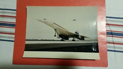 rare photo SUD AVIATION - premier vol du CONCORDE - 2 mars 1969 . photo2