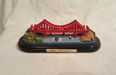 San Francisco Golden Gate Bridge Figurine Paperweight Souvenir