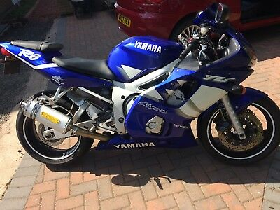YAMAHA R6 2001-  ONLY 17,000 miles Very Clean.