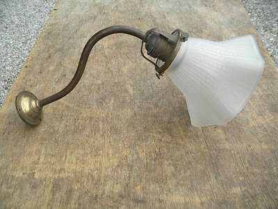 1920 unrest MESSING WANDLAMPE mit Glasschirm LAMPENSCHIRM satiniert Messinglampe