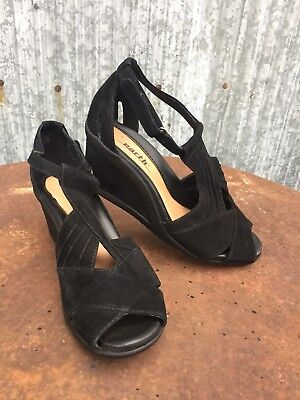 3710dd8250b9 Earth Curvet Shoes Suede Leather Peep Toe Wedge Heel Black Womens 6.5 B  Sandals