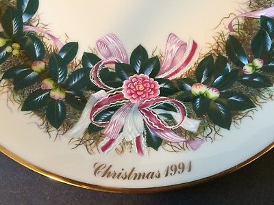 1991  Lenox Ltd.  Edition Colonial Christmas Wreath Collector's Plate, SC.