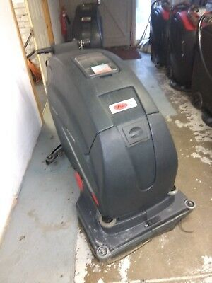 """Viper Fang 28T battery powered 28"""" industrial scrubber drier. Traction driven"""
