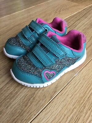 Clarks Baby Toddler Girl Sparkly Trainers Shoes Velcro 4.5F 4.5 F 🦄