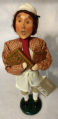 Byers Choice 2004 Williamsburg Caroler Man Tavern Life Signed by Joyce with Tag