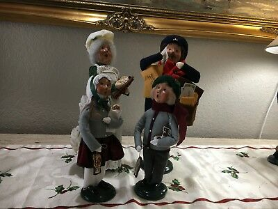 """Byers Choice Traditional Carolers 4 Pc Set 1 Men 1 Women 2 Youth 13.5""""h 10.75""""h"""