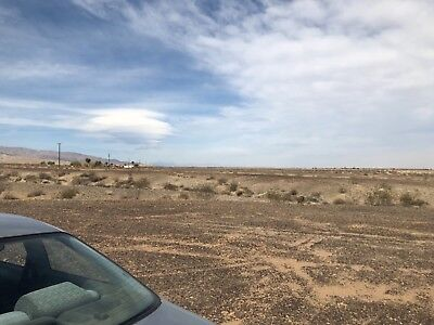 29 palms lot land 2.5 acres off hwy 62 usable for camping or tiny cabin home owc