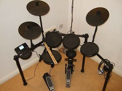 ALESIS NITRO ELECTRONIC Drum Kit With 8 Inch Snare/Toms and 10 inch Cymbals