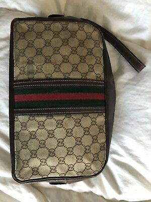 ad57dfee1b89 Vintage Gucci Discontinued DOPP Kit Cosmetic Bag Leather & GG Logo Fabric